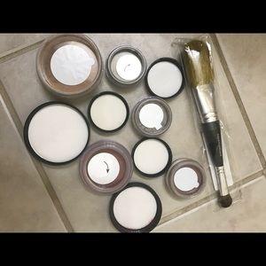 bareMinerals Makeup - BareMinerals foundation, blush, glimmers